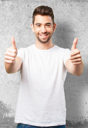 man-smiling-with-thumbs-up_1187-2906